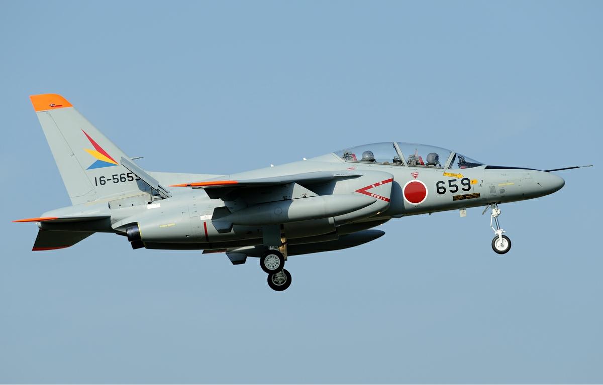 T-4訓練戦闘機
